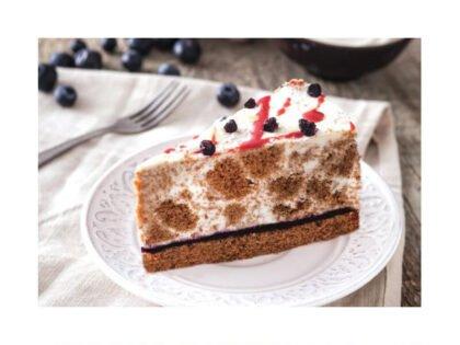 Пирожное Сметанное с черникой