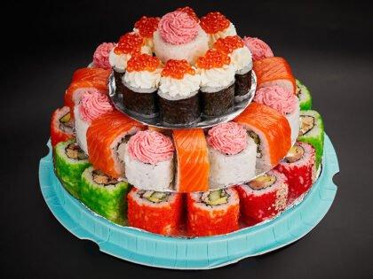 Торт из роллов «Party cake»